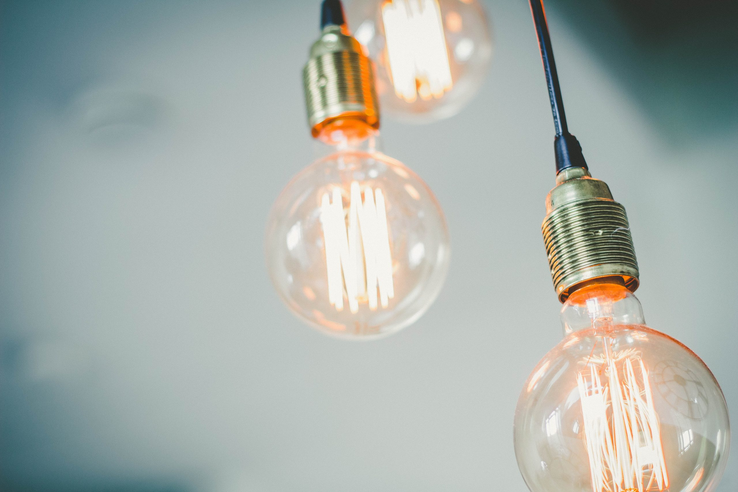 The Benefits Of Using Smart Bulbs In Your Home